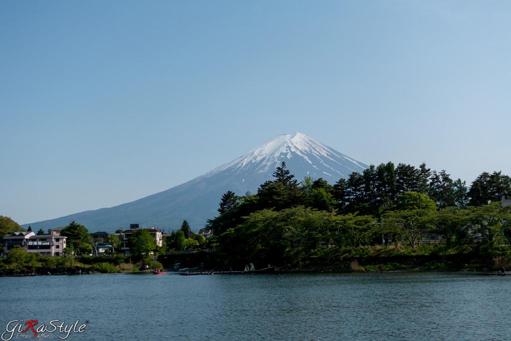 Monte Fuji visto dal Lago