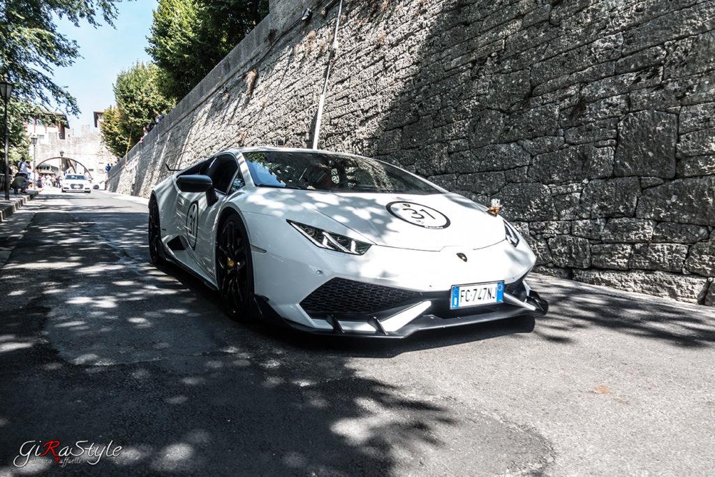 white-lamborghini-in-San-Marino